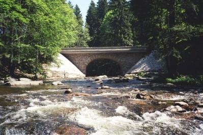 Kamenný most v Zemské bráně